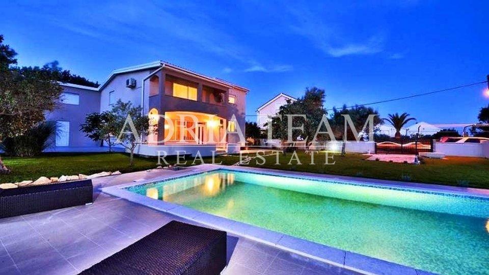 House, 280 m2, For Sale, Vir