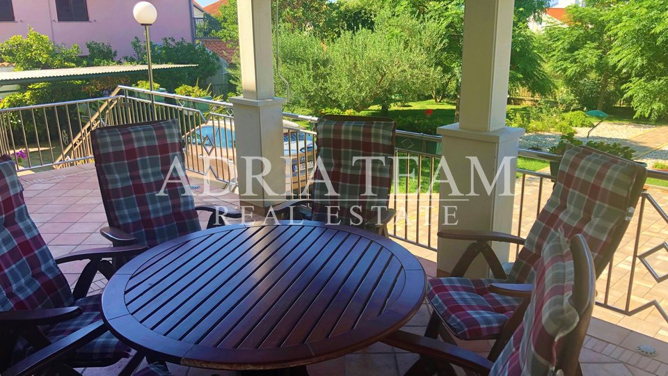 FAMILY HOUSE WITH LARGE GARDEN, TOP POSITION, ZADAR - BORIK