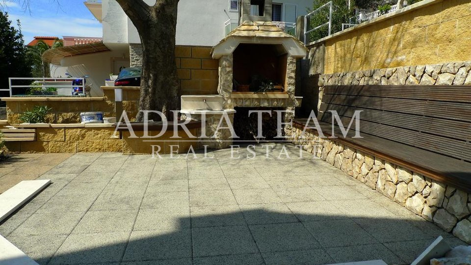 HOUSE WITH BEAUTIFUL ROOFTOP TERRACE, MURTER - TISNO