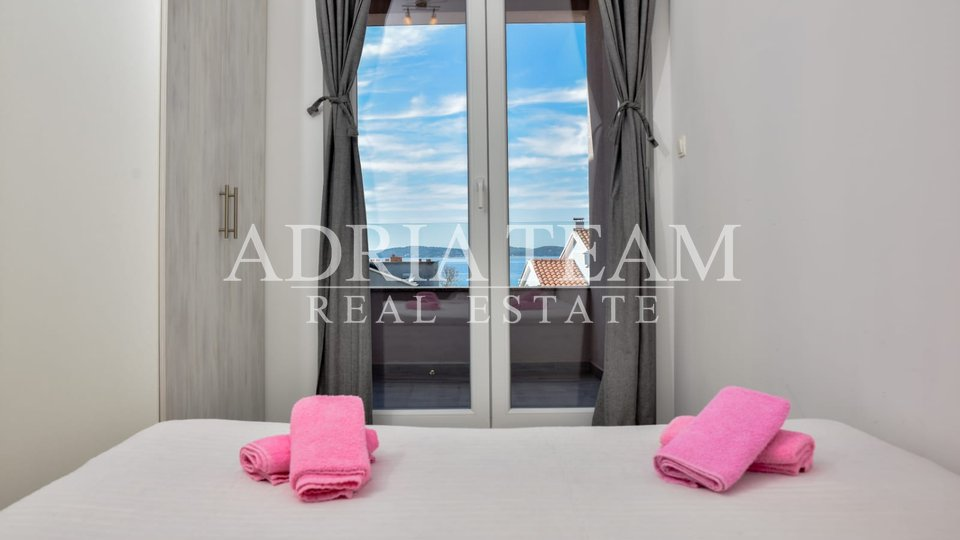 BUILDING WITH 5 APARTMENTS, 100 M FROM THE SEA - TOP LOCATION, BIBINJE - ZADAR