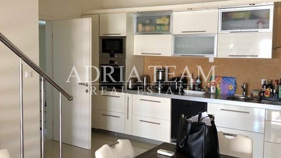 House, 270 m2, For Sale, Novalja