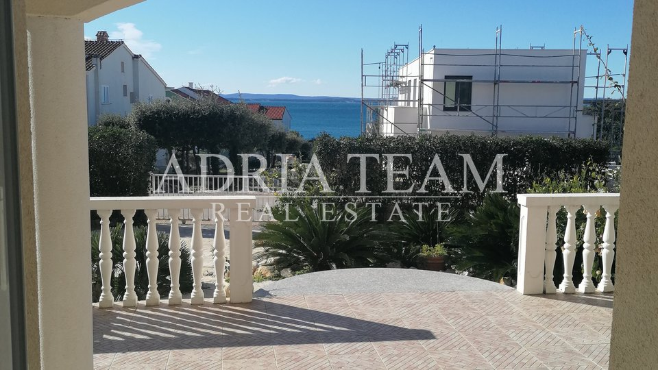 APARTMENT HOUSE WITH 3 APARTMENTS, 120 M FROM THE SEA, PETRCANE - ZADAR