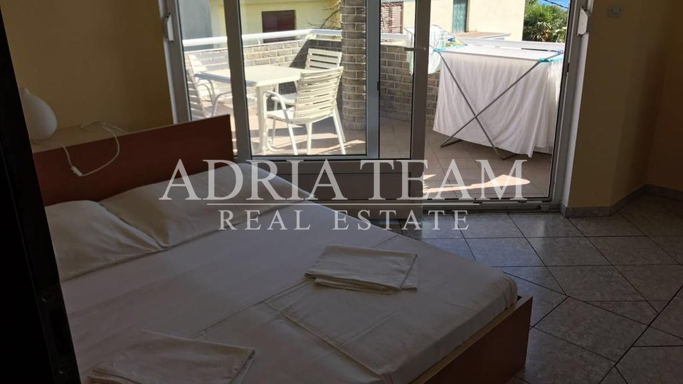 APARTMENT HOUSE WITH 5 APARTMENTS, 120 M FROM THE SEA, BIBINJE - ZADAR