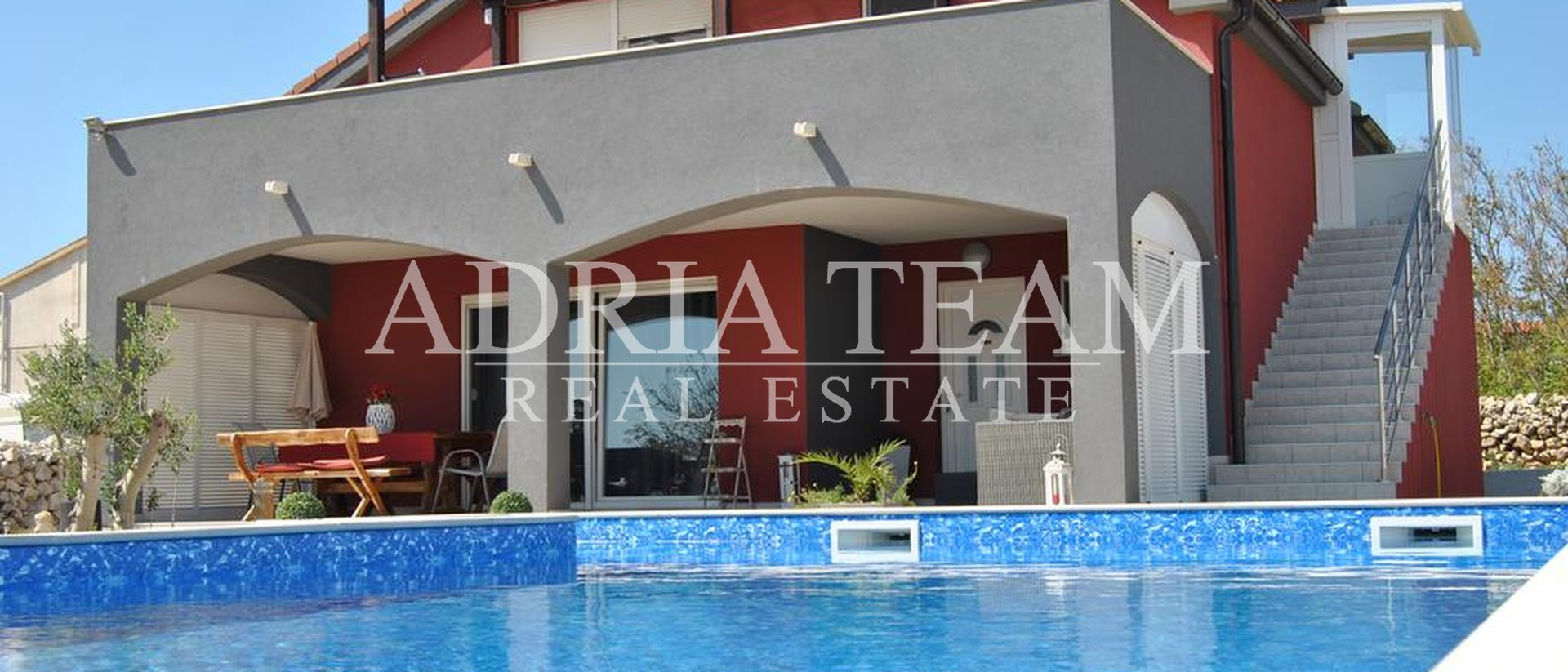 APARTMENT HOUSE WITH POOL, QUIET POSITION, PAG - POVLJANA