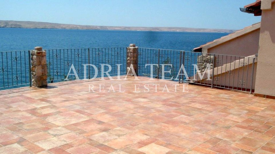 House, 600 m2, For Sale, Starigrad