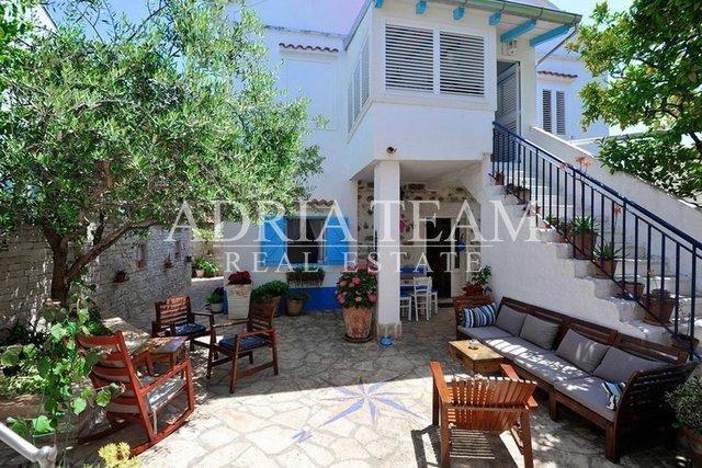 Haus, 300 m2, Verkauf, Preko
