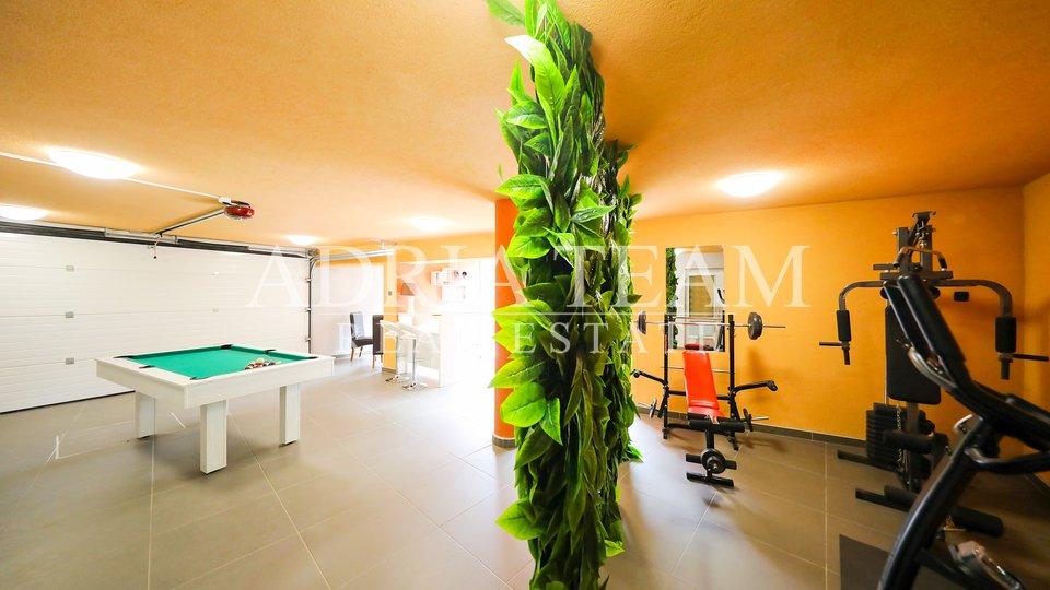 Haus, 310 m2, Verkauf, Zadar - Borik