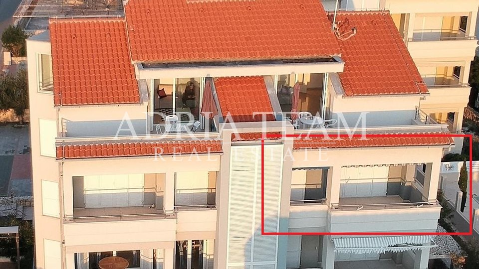 APARTMENT ON TOP POSITION, 12 M FROM THE SEA, PAG - NOVALJA