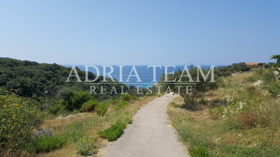 HOUSE - SEMI-DETACHED BUILDING, 800 M FROM THE SEA, NOVALJA