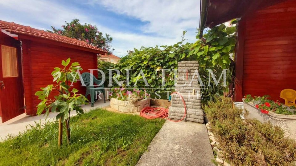 HOUSE WITH 3 APARTMENTS, ZADAR - BORIK