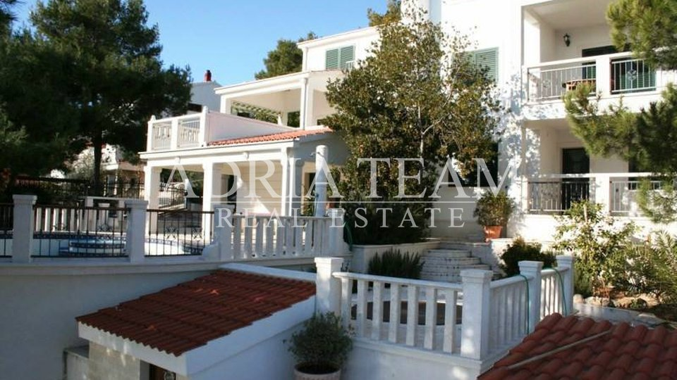 House, 450 m2, For Sale, Trogir - Čiovo