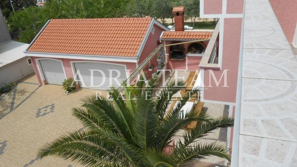 House, 566 m2, For Sale, Zadar