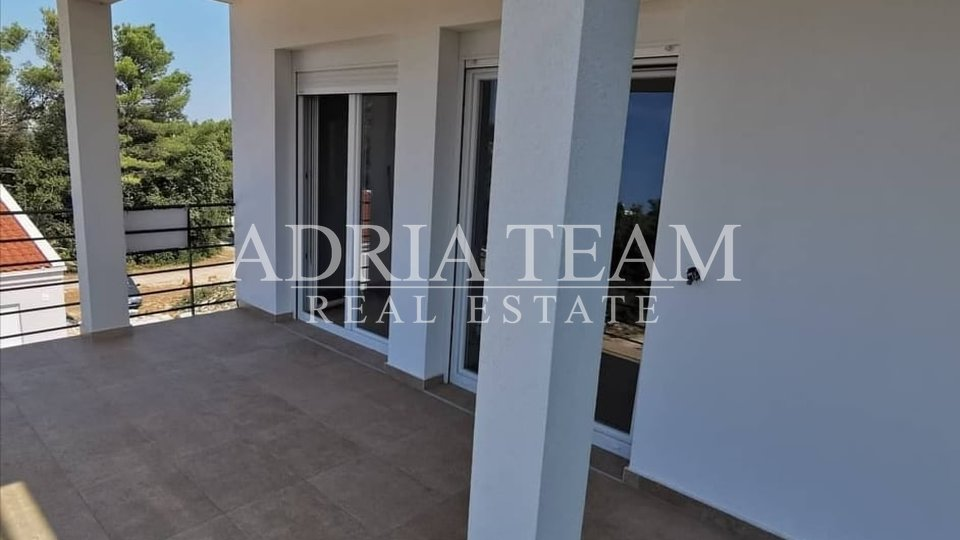 APARTMENT NEAR THE SEA, NEW BUILDING, PETRCANE