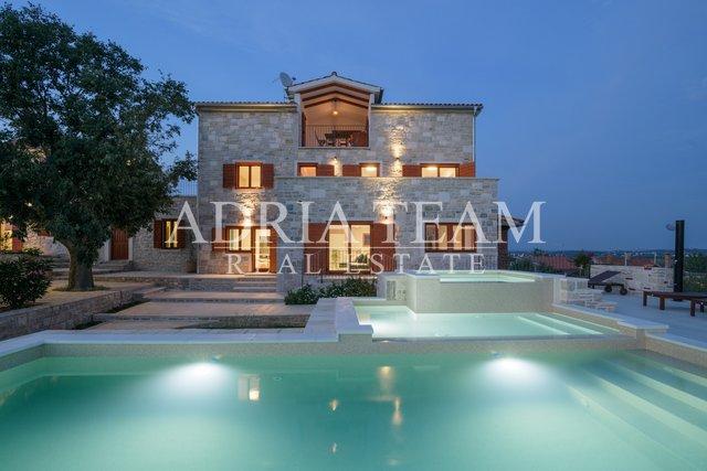 Haus, 478 m2, Verkauf, Benkovac - Tinj