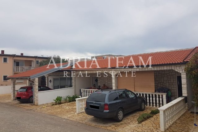 House, 270 m2, For Sale, Vir