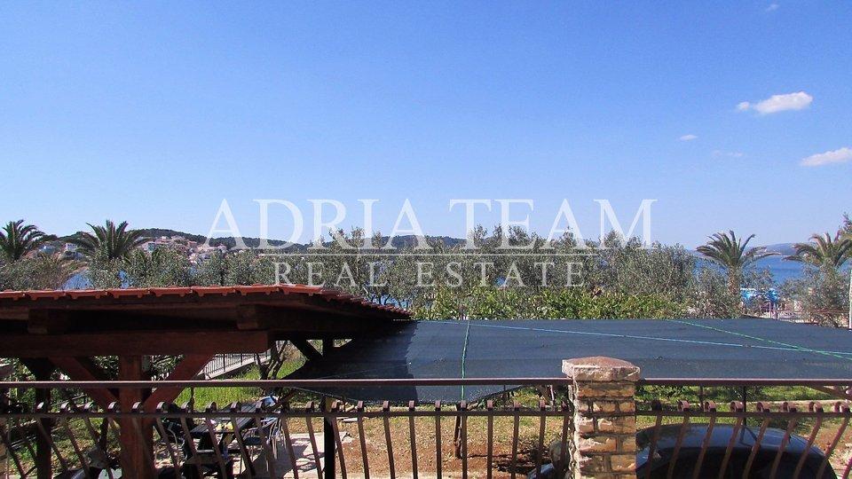 House, 939 m2, For Sale, Okrug - Okrug Gornji