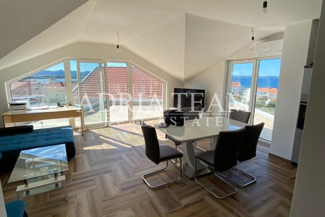 PENTHOUSE WITH PHENOMENAL SEA VIEW, 100 M FROM THE SEA, ZADAR - DIKLO