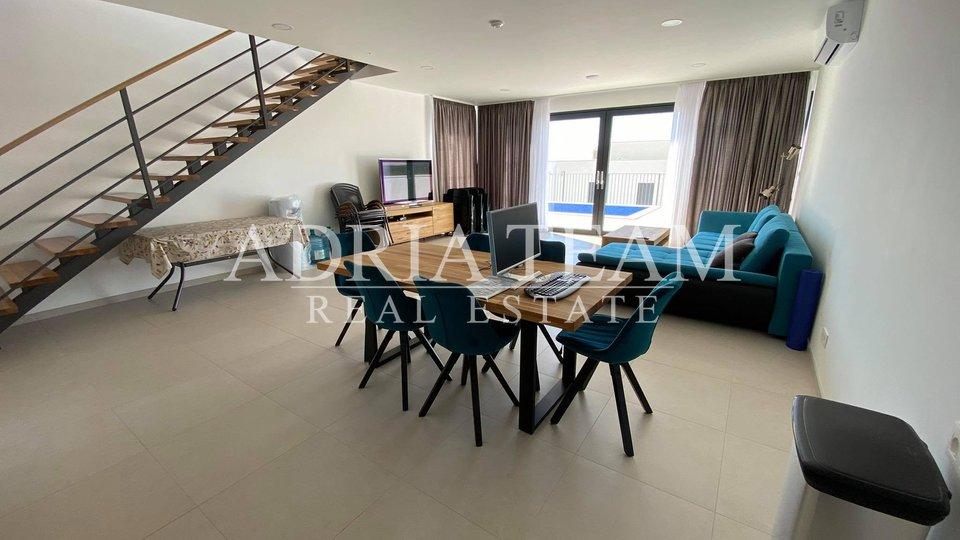 Haus, 200 m2, Verkauf, Makarska