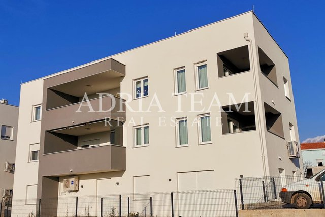 APARTMENT WITH 3 BEDROOMS AND A LARGE GARDEN! GREAT FOR THE FAMILY! ZADAR - SMILJEVAC/CRVENE KUĆE