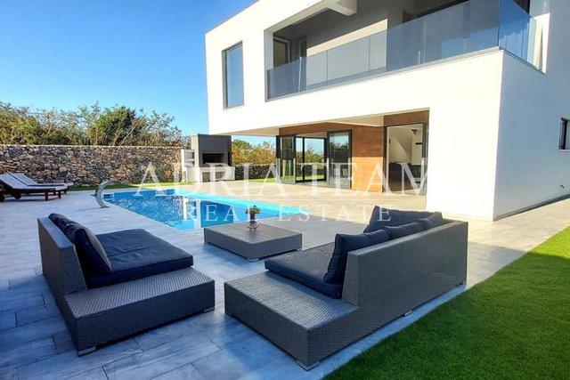 Dům, 230 m2, Prodej, Vrsi