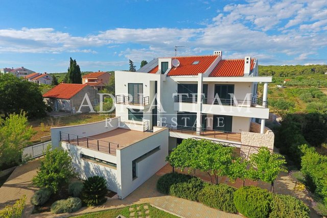 VILLA WITH POOL AND PANORAMIC SEA VIEW, TOP POSITION, DIKLO