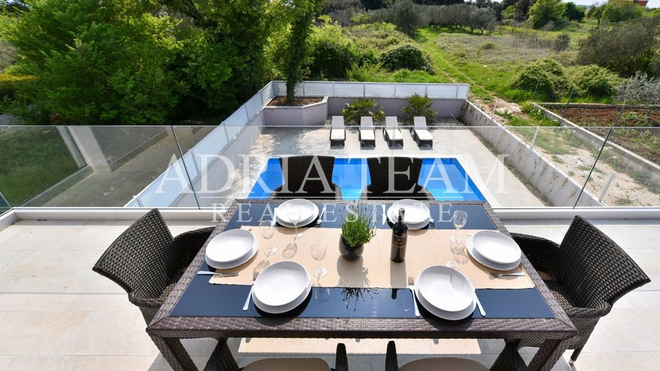 House, 290 m2, For Sale, Zadar-okolica