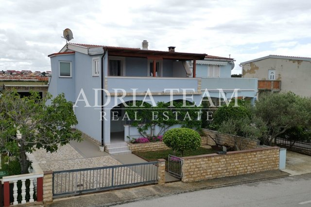 APARTMENT HOUSE WITH GARDEN, 200 M FROM THE SEA, POVLJANA - PAG