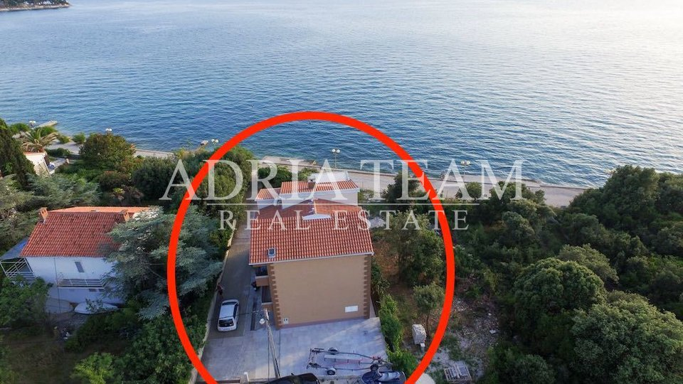 APARTMANSKA KUĆA – 1. RED DO MORA
