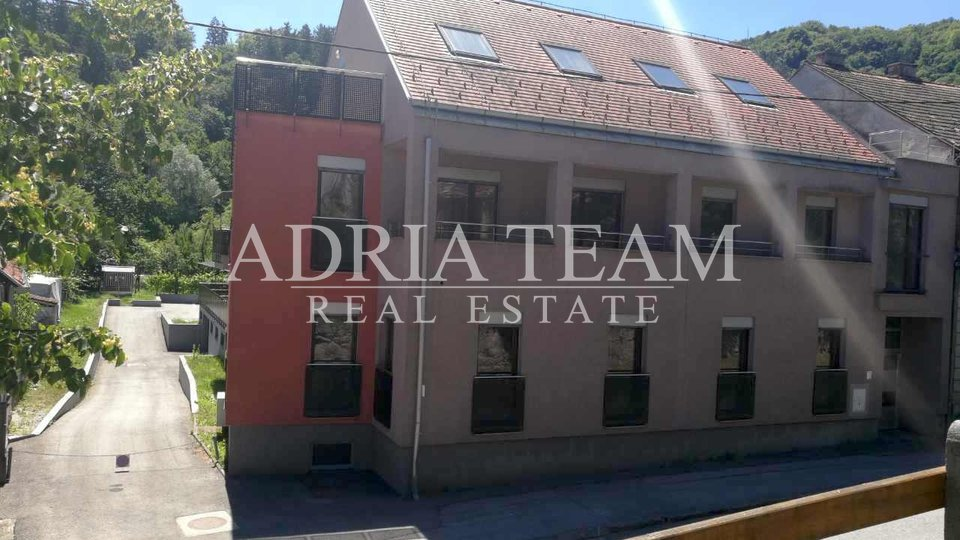 House, 1346 m2, For Sale, Samobor