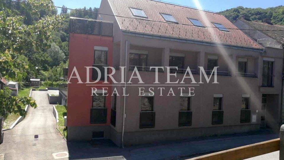 Haus, 1346 m2, Verkauf, Samobor