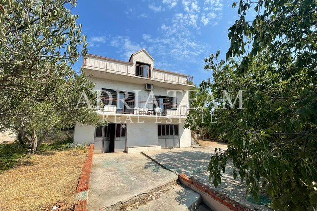Haus, 260 m2, Verkauf, Šibenik - Meterize