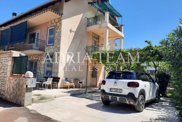 FAMILY HOUSE WITH THREE APARTMENTS - VODICE