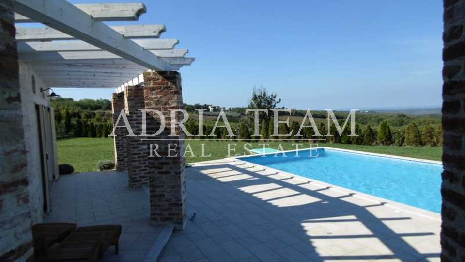 House, 256 m2, For Sale, Poreč