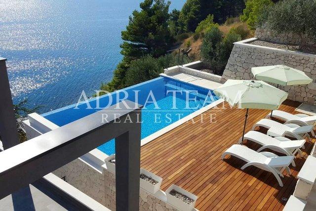 House, 338 m2, For Sale, Omiš