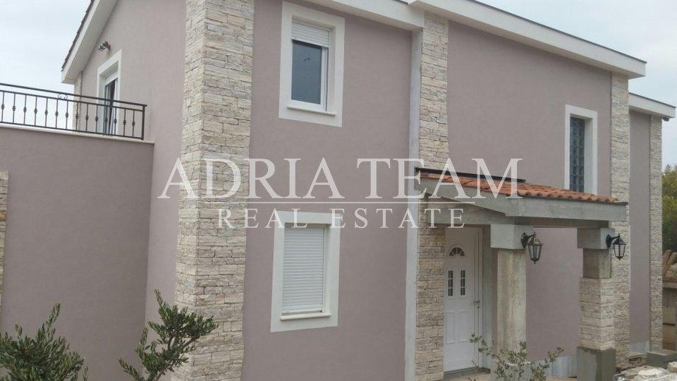 Haus, 198 m2, Verkauf, Šolta