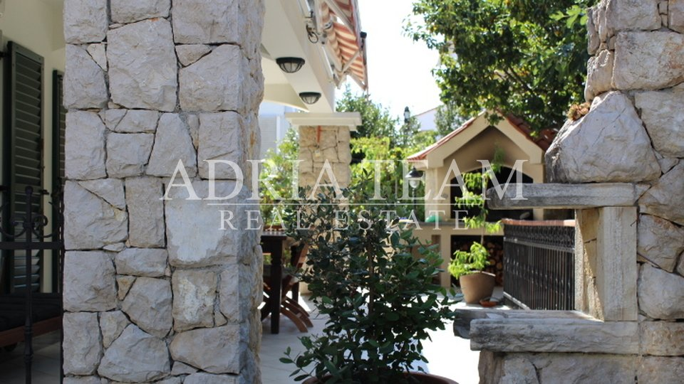 House, 200 m2, For Sale, Novalja