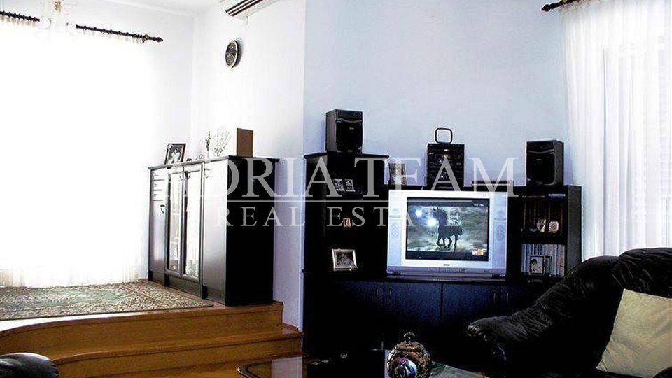 House, 240 m2, For Sale, Zadar - Borik