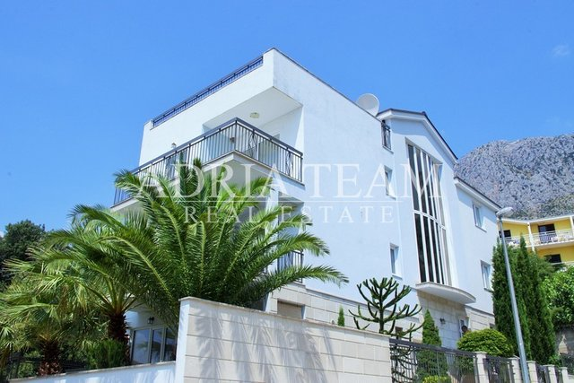 Haus, 470 m2, Verkauf, Makarska