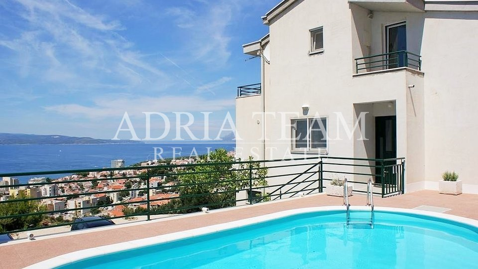 House, 510 m2, For Sale, Makarska