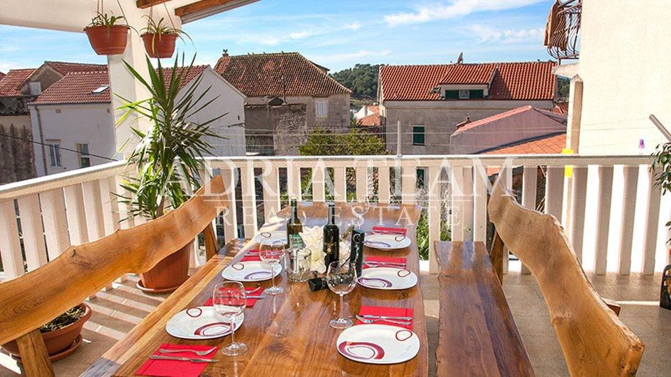 House, 160 m2, For Sale, Makarska