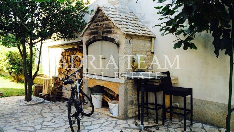 House, 400 m2, For Sale, Zadar - Borik