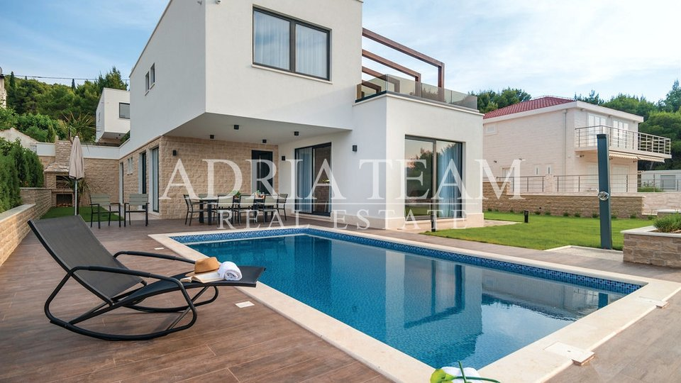 LUXURY VILLA WITH POOL, 2. ROW TO THE SEA, OKRUG GORNJI