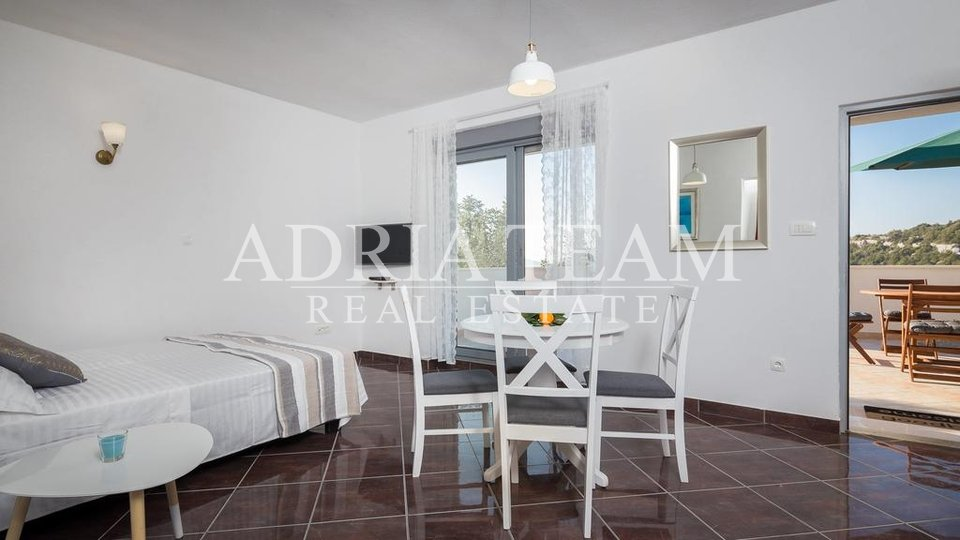APARTMENT HOUSE, TROGIR