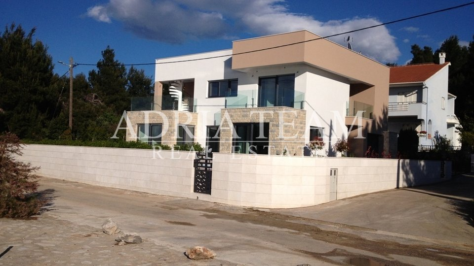 House, 300 m2, For Sale, Pašman