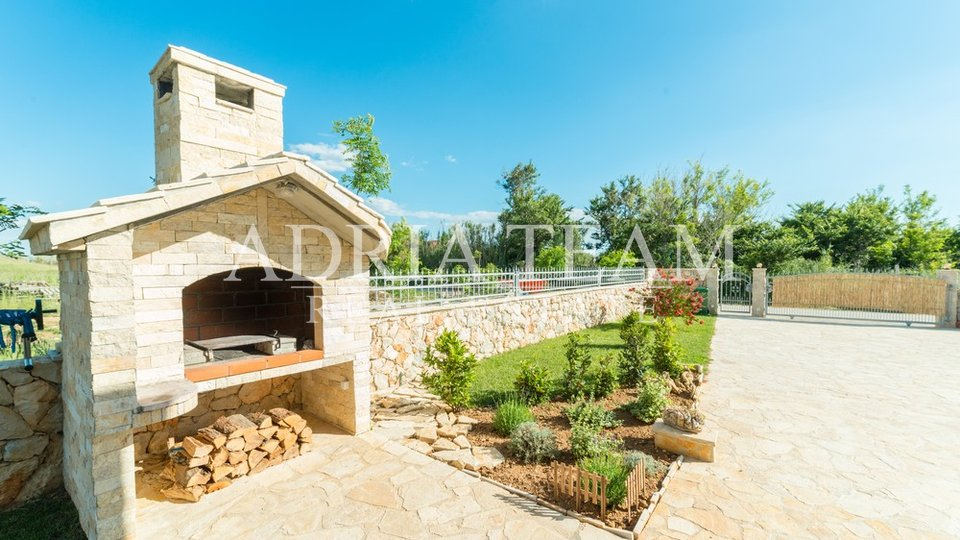 House, 140 m2, For Sale, Privlaka