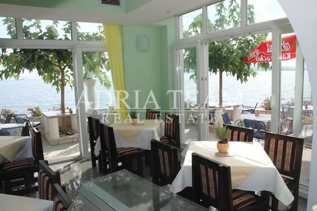 FAMILY HOTEL ON THE BEACH, PROMAJNA - MAKARSKA RIVIJERA