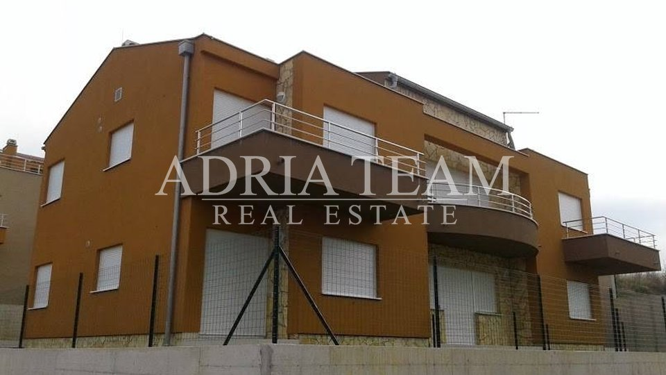 House, 317 m2, For Sale, Ražanac - Rtina