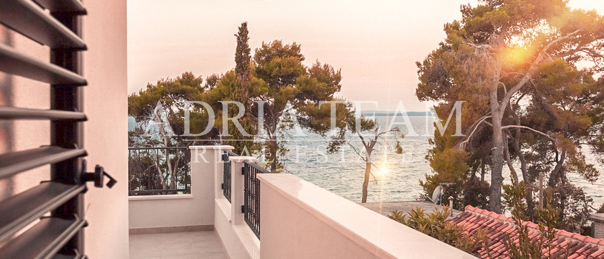 LUXURY MODERN VILLA WITH POOL - 20 M FROM THE BEACH