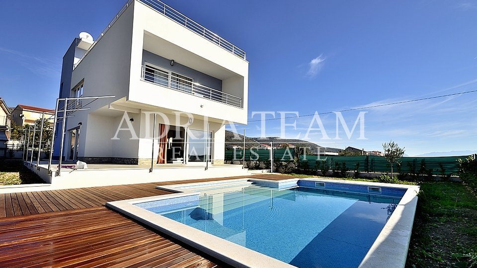 House, 200 m2, For Sale, Seget Donji