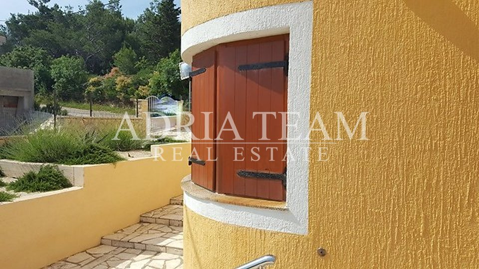 House, 422 m2, For Sale, Novigrad